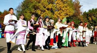 Сколько наций или народностей проживает в России