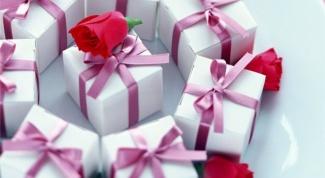 Что подарить девушкам-коллегам на 8 марта