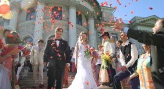 Как написать стихи для поздравления  с бракосочетанием