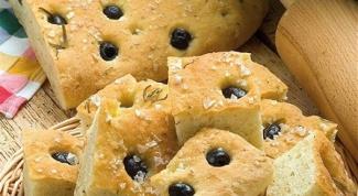 Фокачча с оливками и розмарином