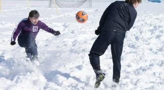 Какую обувь надеть для игры в футбол зимой