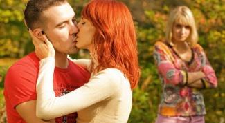 Как вести себя с бывшей девушкой твоего парня
