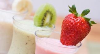 Как сделать молочный коктейль с фруктами