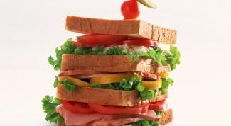 Как сделать горячие бутерброды с сыром и помидорами