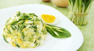 Как приготовить салат с черемшой
