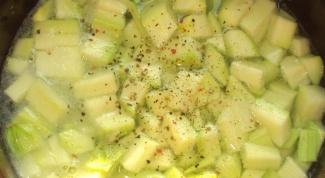 Суп-пюре из свеклы и кабачка