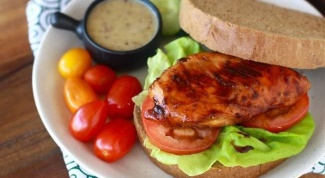 Горячий бутерброд с куриной грудкой