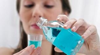 Чем полоскать рот, если припухают (болят) десны