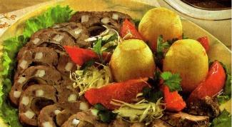 Говядина, шпигованная салом и овощами