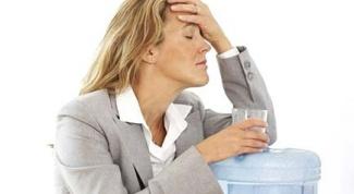 Как оказать первую помощь при отравлениях