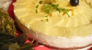 Йогуртовый торт и ананас