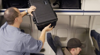 What are the requirements for hand Luggage on airplanes