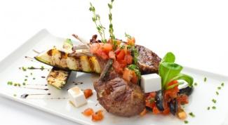 Папоротник с говядиной и овощами