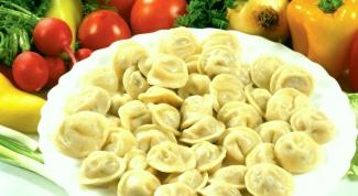 Как приготовить пельмени со свининой и маринованными маслятами