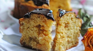 Кукурузный кекс с шоколадной глазурью