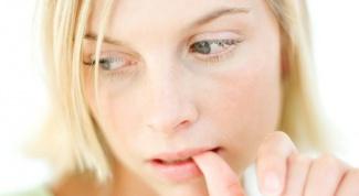 Why lips turn white
