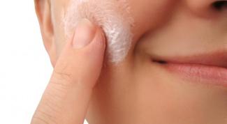 Шесть ингредиентов, которые не стоит наносить на лицо