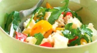 Легкий салат с ячневой крупой и болгарским перцем