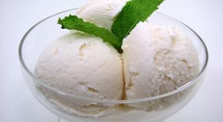 Как приготовить диетическое мороженое