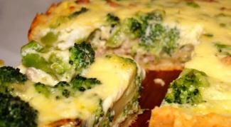 Пирог из курицы и брокколи под сыром