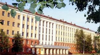 Куда пойти учиться: вузы города Кирова