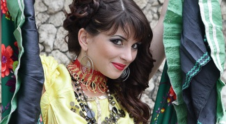 How to do makeup in Gypsy style