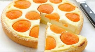 Ореховый пирог с сыром и абрикосами