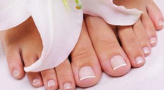 Как удалить грязь из-под ногтей на ногах