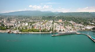 Где Абхазии лучше отдыхать летом