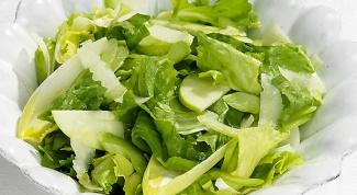 Как приготовить легкий зеленый салат