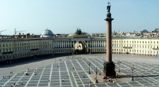 What to see in St. Petersburg in the first place