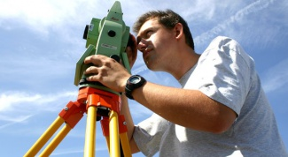Who is the surveyor and what he does