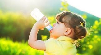 Сколько жидкости должен пить ребенок в день
