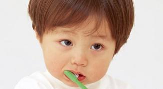 Нужно ли лечить молочные зубы ребенку до 5 лет