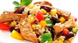 Рис, тушенный с мясом и овощами