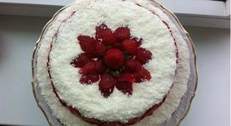 Клубничный торт «Снежная фантазия»