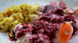 Куриные грудки в ягодно-винном соусе