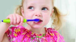 Как подобрать детскую зубную пасту