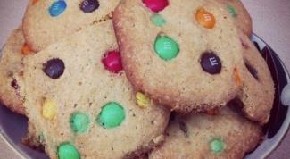 Печенье с шоколадным драже