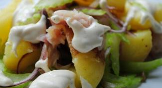Салат из копченой скумбрии с молодым картофелем