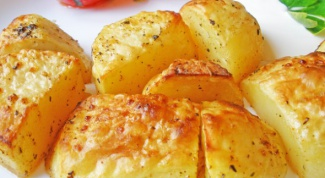 Рецепты для пикника: картофель и яйца на углях