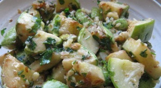 Zucchini with walnut-garlic dressing