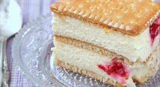 Как приготовить творожный торт с бисквитным печеньем?