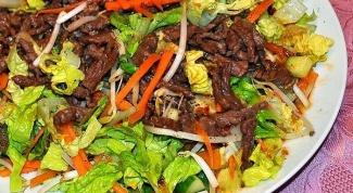 Теплый салат по-тайски