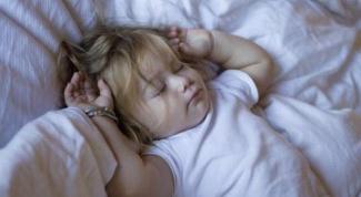 Как уложить трёхлетнего ребёнка спать