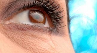 Слезоточивость глаз – причины и лечение
