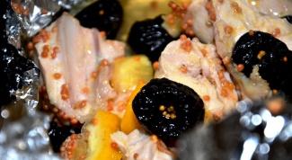 Куриные грудки с черносливом в мультиварке