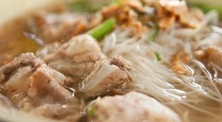 Лапшичный суп со свининой
