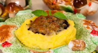 Картофельные гнездышки с грибами