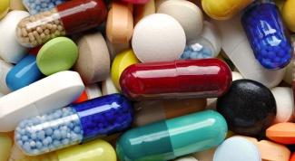 Аптечка первой помощи для ребенка (инструменты и перевязочные материалы)